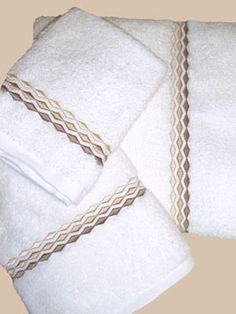 Hamburg House, Countess Towels, 600 g/m2 weight towels with a woven dobby border available in white & ivory Towel Embroidery, Floral Embroidery Patterns, Embroidered Towels, Hand Embroidery Designs, Custom Embroidery, Machine Embroidery, Towel Crafts, Personalized Towels, Fine Linens