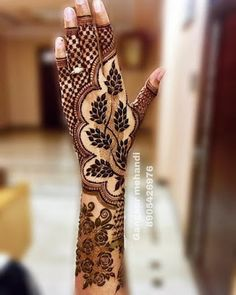 unique mehndi designs 💕💕 // by by Henna Inspiration