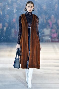 Christian Dior Pre Fall 2015: All That Glitters | The Zoe Report