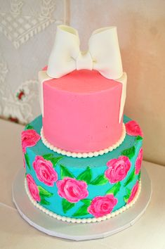 If I ever get to have my own birthday cake again..... Lilly Pulitzer Cake Design
