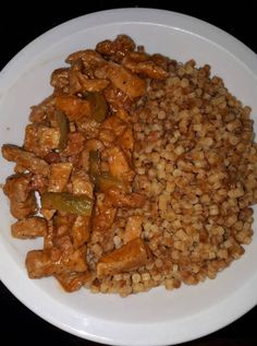 hentes-tokany-tarhonyaval Hungarian Cuisine, Hungarian Recipes, Easy Delicious Recipes, Yummy Food, Pork Recipes, Cooking Recipes, Special Recipes, Breakfast Time, Food 52