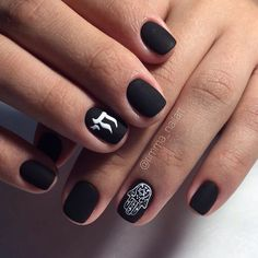 Drawings on nails, Ethnic nails, Fashion matte nails, Ideas of black matte nails, Matte black nails, Matte nails, Matte short nails, Miley Cyrus nails