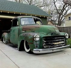 Slammed chev chevy chevrolet advanced design pickup truck dropped laid out white wall tires ratrod daily driver gmc patina fauxtina faux-tina