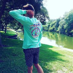 Taking pictures is your favorite shirts are always fun. Which is your favorite shirt from us? Take some awesome pictures in a USA PALM shirt and tag us @usapalm or hashtag us with #PalmLife or #USAPALM This is our Pocketed Island Reef Tribal Print shirt sold on USAPALM.COM