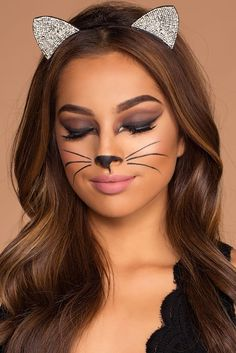 ▷ 1001 + ideas for cat face painting-▷ 1001 + Ideen für Katze Schminken Make-up for cats made easy, paint smokey eyes and matt lipstick, whiskers and cat& nose, cat ears with sequins - Chat Halloween, Cat Halloween Makeup, Cat Faces For Halloween, Simple Halloween Makeup, Black Cat Halloween Costume, Easy Halloween Costumes For Women, Halloween Halloween, Cat Face Makeup, Kitty Cat Makeup