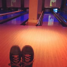 After lunch in a dinner we went bowling ......   #nyc #nyc_instagram #luckystrikebowlingalley #bowling