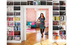 Titta in hos författaren Sofie Sarenbrant - My home Bookcase, Interior Decorating, Shelves, Homes, Summer, Design, Home Decor, Shelving, Houses