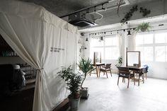 Unbelievable Modern Architecture Designs – My Life Spot Modern Architecture Design, Barbershop Design, Market Design, Interior, Interior Styling, Salon Furniture, Coffee Shops Interior, Room Interior, Room