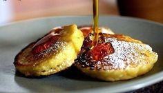 Яблочные оладьи - вкуснейший ПП-перекус или полноценный фитнес-завтрак Ингредиенты: 1 яйцо 1 тертое яблоко 3-4 ложки овсяной муки (молотых хлопьев) За рецепт спасибо группе Диетические рецепты Приготовление: Яйцо взбить, добавить муку, добавить тертое яблоко. Все перемешиваем и выпекаем на сковородке/гриле.