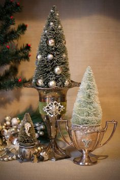 Vintage Christmas Crafts, French Christmas, Christmas Mood, Christmas Minis, Silver Christmas, Best Christmas Gifts, Rustic Christmas, Christmas Trees, Holiday Crafts