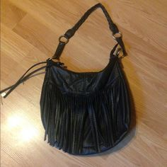 Black American eagle fringe purse! Black leather fringe purse from American eagle! Super cute and good quality! American Eagle Outfitters Bags