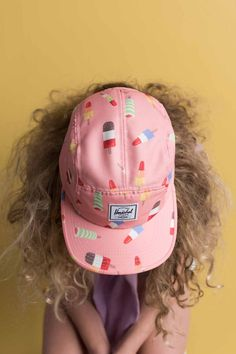 New spring 2016 headwear from Herschel Supply for your kiddos. Love this ice-cream patterned camp cap. Now available in blue or pink with its matching school bag and lunch box online or at your local Herschel supply stockist. Fashion Kids, Little Fashion, Girl Fashion, Ice Ice Baby, Herschel Supply Co, Style Hipster, Kids Line, Shooting Photo, Kids Prints