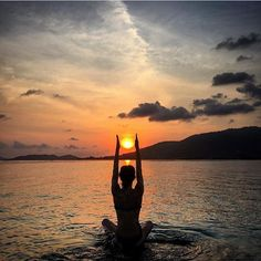 Beautiful yoga pose while the sun goes down. What a calm and serine way to end the day.