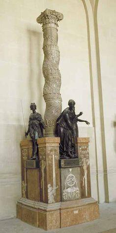 """Barthélemy PRIEUR  Berzieux (Marne), 1536 - Paris, 1611    Sur les dessins de Jean Bullant     Monument du coeur du connétable Anne de Montmorency   Colonne, marbre blanc et marbre Campan  Vertus, bronze  H. : 1,28 m. ; L. : 0,70 m. ; Pr. : 0,39 m.    Dans l'église des Célestins de Paris, non loin du monument du coeur d'Henri II, fut élevée une riche colonne monolithe, """"salomonique"""", soutenant une urne qui contenait le coeur du connétable."""