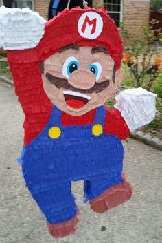 Super Mario Piñata Super Mario And Luigi, Super Mario Party, Super Mario Birthday, Mario Birthday Party, Deco Ballon, Yoshi, Party Time, Diy And Crafts, Mario Kart
