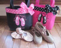 33 ideas for big dancing bag Ballerinas, Karate, Big Sister Gifts, Baby Sitting, Trick Or Treat Bags, Great Birthday Gifts, Bag Patterns To Sew, Fabric Bags, Kids Bags