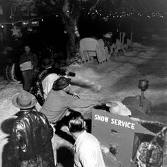 """It's a Wonderful Life is a 1946 American Christmas drama film produced and directed by Frank Capra, that was based on the short story """"The . Christmas Drama, A Christmas Story, Christmas Ornaments, Wonderful Life Movie, Frank Capra, Artificial Snow, Holiday Movie, Drama Film, Life Pictures"""