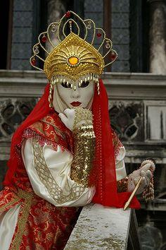 PICT1160   Flickr - Photo Sharing! Venice Carnival Costumes, Venetian Carnival Masks, Carnival Of Venice, Venetian Masquerade, Masquerade Ball, Venice Carnivale, Venice Mask, Costume Venitien, Dark Circus