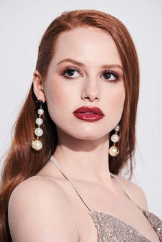 Find images and videos about beautiful, pretty and beauty on We Heart It - the app to get lost in what you love. Madelaine Petsch, Cheryl Blossom Riverdale, Riverdale Cheryl, Riverdale Cast, Pretty People, Beautiful People, Most Beautiful, Beautiful Celebrities, Beautiful Actresses