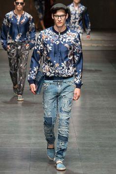 Dolce & Gabbana Spring 2016 Menswear Fashion Show Collection: See the complete Dolce & Gabbana Spring 2016 Menswear collection. Look 13 Tokyo Street Fashion, Fashion 90s, Runway Fashion, Fashion Show, Fashion Looks, Fashion Design, Fashion Trends, Fashion Menswear, Milan Fashion