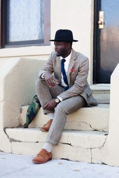 classic from top to bottom. love the texture of the suit.