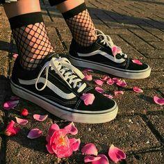 Imagen de vans, flowers, and shoes