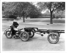 Neat trailer with dolly wheel designed for early cycles. Trike Motorcycle, Motorcycle Design, Bike Design, Trike Chopper, Harley Davidson Trike, Motor Harley Davidson Cycles, Classic Harley Davidson, Vintage Bikes, Vintage Motorcycles