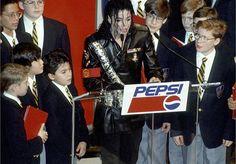 Biografia Humanitaria de Michael Jackson - Caridad