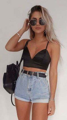 Jeans Outfit Summer, Trendy Summer Outfits, Cute Casual Outfits, Stylish Outfits, Outfit Winter, Summer Shorts, Crop Top Outfits, Short Outfits, Dress Outfits