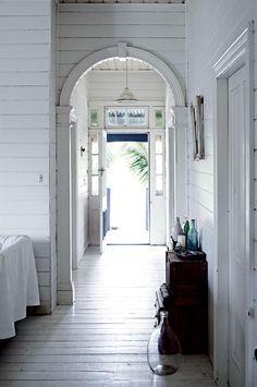 Homelife - Dressmaker's white vintage interior in the Byron Bay hinterland #vintagebeachhousedecor