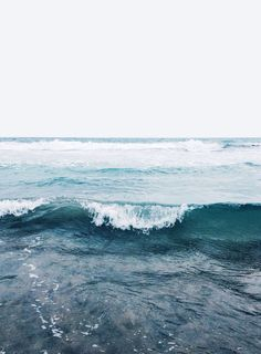 Surfing holidays is a surfing vlog with instructional surf videos, fails and big waves No Wave, Ocean Pictures, Ocean Pics, Beach Aesthetic, Blue Aesthetic, Salt And Water, Beach Bum, Ocean Beach, The Ocean