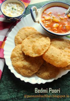 Annapurna: Bedmi Poori is a traditional breakfast dish from the Indian State of Uttar Pradesh. Typically served with aloo rasedar (a thin potato curry), the delicious and filling combo is known as bedmi aloo and is a popular street food in Delhi, Agra, Mathura, and Banaras.