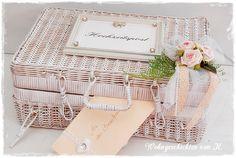 Ein Vintage-Korb für die #Geldgeschenke zur #Hochzeit bei 'Wohngeschichten von K.' http://de.dawanda.com/product/83285187-hochzeit-geldgeschenk-korb-hochzeitsdeko