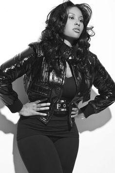 Curvy Model Anansa Sims- Supermodel Beverly Johnson's daughter.