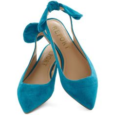 great flat to wear with dresses, skirts, slacks, even dress up jeans. I want a pair in every color