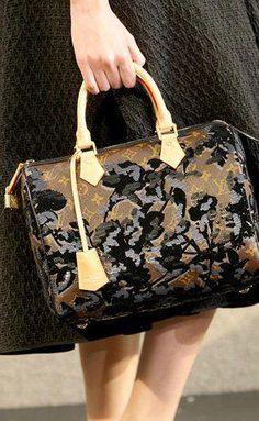 Louis Vuitton handbag  Pradahandbags Online Bags 603c26335ae6a