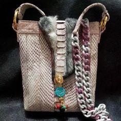 SMbags pyton y cuarzos. $350.