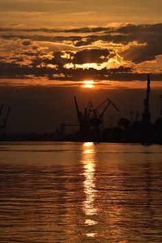 trzy w jednym 3cityguide: Kapitanat Portu Gdynia, Nabrzeże portowe Gdynia