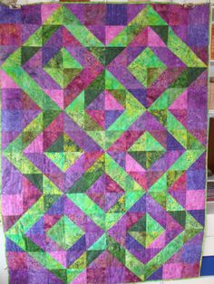 """Quilt made for a Raffle to support """" Team Peru"""" at my daugthers school, where a group of students every second year travels to Peru to work voluntery at a home for handicapped children"""