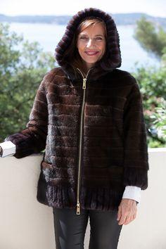 Veste de Vison Bicolore à Capuche Saga Furs http://www.fourrure-privee.com/fr/fourrures/vestes-gilets/veste-de-vison-bicolore-a-capuche-824