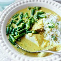 Curry z fasolką szparagową i filetami ryby