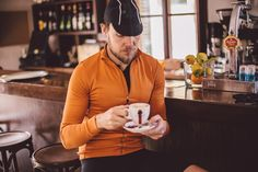 Such stunningly, simplified lifestyle requires very little. A bike, a rider, beautiful weather, freedom of the open road and time on your hands. #isadoreapparel #roadisthewayoflife #cyclingmemories
