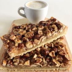 Nøddemazarintærte (Toscatærte) - My Green Kitchen Musli Bars, Green Kitchen, Cravings, Sweet Tooth, Oatmeal, Bakery, Deserts, Good Food, Food And Drink