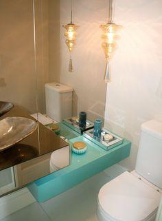 Banheiros e lavabos decorados na cor azul tiffany - veja modelos de estilos variados!