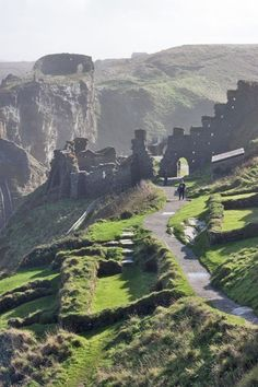 The ruins of Tintagel Castle, Cornwall, UK. I always have so much fun coming to Tintagel and walking around the ruins with all of the archaeologists. My memories in England have the most special place in my heart. Oh The Places You'll Go, Places To Travel, Places To Visit, Beautiful World, Beautiful Places, England And Scotland, England Uk, Oxford England, Yorkshire England