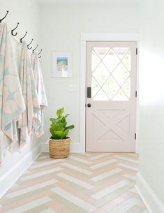 The Duplex Laundry Room / Mudrooms: Completed - Wäschekammer Design Room, Home Design, Interior Design Living Room, Small Storage, Diy Storage, Tall Cabinet Storage, Small Shelves, Storage Shelves, Storage Ideas