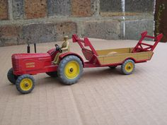 DINKY - Massey Harris tractor and trailer