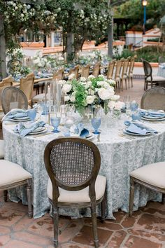 A Dreamy Wedding at Rancho Las Lomas Straight out of a Fairytale French Blue Wedding, Daisy Wedding, Floral Wedding, Dream Wedding, Wedding Bells, Wedding Venue Decorations, Wedding Themes, Table Decorations, Wedding Venues
