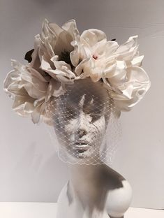 Items similar to Ivory Fascinator- Birdcage headpiece -Bridal on Etsy Ivory Fascinator, Fascinator Headband, Garden Party Wedding, Wedding Hats, Wedding Veil, Sculpture Art, Sculptures, Dress Flower, Still Life