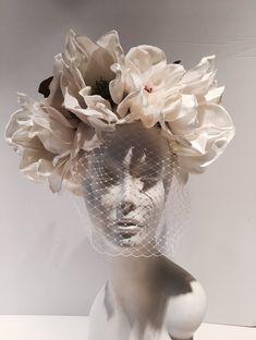 Items similar to Ivory Fascinator- Birdcage headpiece -Bridal on Etsy Ivory Fascinator, Fascinator Headband, Sculpture Art, Sculptures, Dress Flower, Bronze Art, Magnolia Leaves, Retro Stil, Still Life